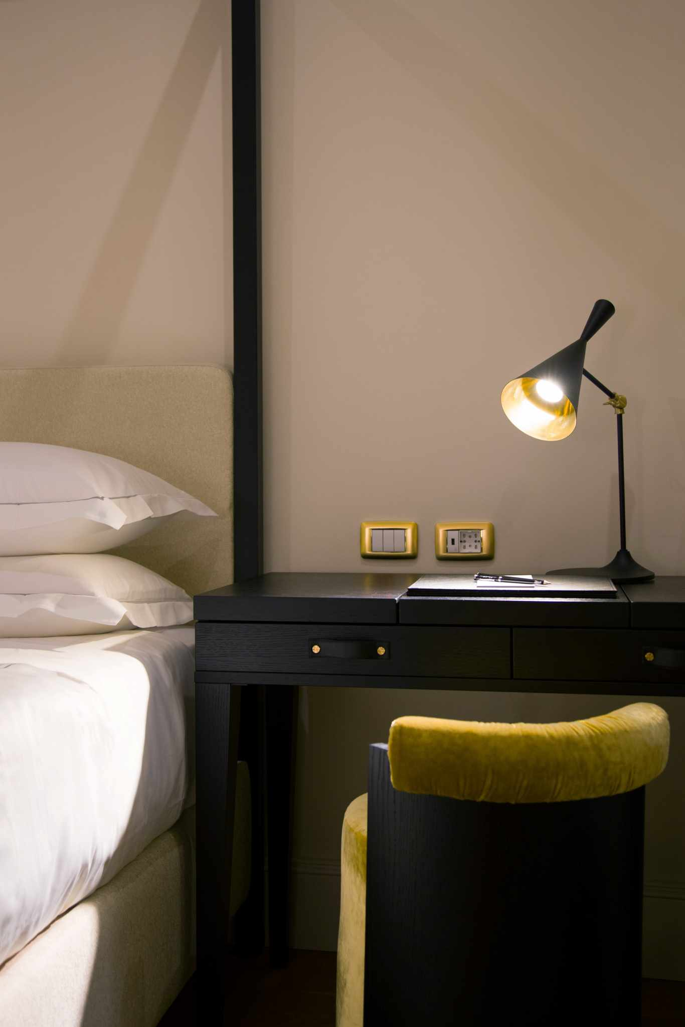elizabeth-unique-hotel-rome-deluxe3